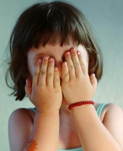 Ansiedad infantil, niña llorando